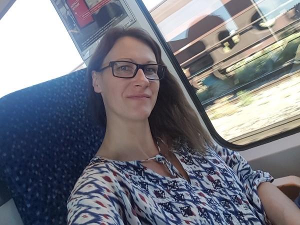 Helene auf dem Weg zum  Seminar in Wien
