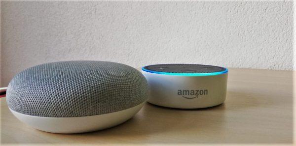 Alexa und Google Home im crosseye Büro